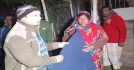 নওগাঁ জেলায় ৫৫ হাজার ৭শ ৭টি কম্বল বিতরন