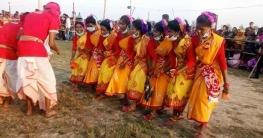 মান্দায় নেচে-গেয়ে আদিবাসীদের কারাম উৎসব উদযাপন