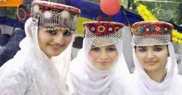 ষাটেও রূপে অপরূপ থাকেন কাশ্মীরে এই উপত্যকার নারীরা