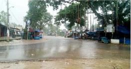 ধামইরহাটে লকডাউন বাস্তবায়নে দিনভর মাঠে প্রশাসন