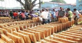 বর্ষার আগমনী বার্তায় আত্রাইয়ে খলশানি বিক্রির ধুম