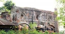 অযত্নে-অবহেলায় নষ্ট হচ্ছে মুঘল আমলে ঐতিহ্যবাহী প্রাচীণ ভাঙা মসজিদ
