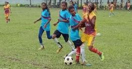 ধামইরহাটে আদিবাসী নারী ফুটবলারদের নিয়ে প্রমীলা ফুটবল টূর্নামেন্ট