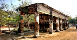 রাণীনগরের ঐতিহাসিক কাশিমপুর রাজবাড়ি এখন গোয়াল ঘর