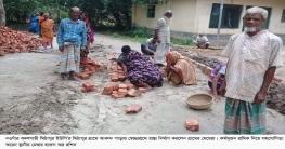 বদলগাছীতে গ্রামের মেয়েরাই রাস্তা নির্মাণ করলেন