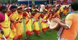 মহাদেবপুরে আদিবাসীদের ঐতিহ্যবাহী কারাম উৎসব