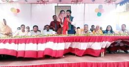 নওগাঁর পিএম বালিকা বিদ্যালয়ে পুরস্কার বিতরন ও সাংস্কৃতিক অনুষ্ঠান